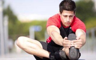 Ragazzo allenamento stretching