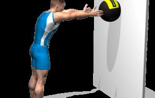 allenamento addominali lancio wallball in avanti fine