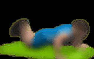 allenamento pettorali distensione a terra gambe in appoggio
