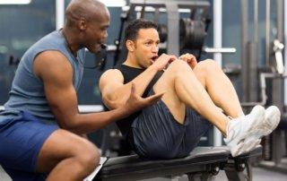 ragazzo usa muscoli per dimagrire