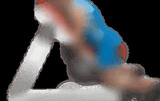 allenamento spalle alzate frontali panca alta 2 manubri