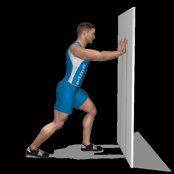 allenamento stretching allungamento polpacci in piedi in appogio inizio